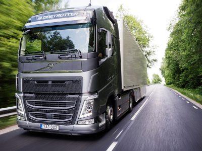 Автотранспорт отобрал у железнодорожного все товарные перевозки