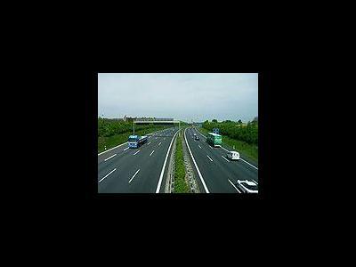 Stuttgart lässt den Verkehr auf Standstreifen zu