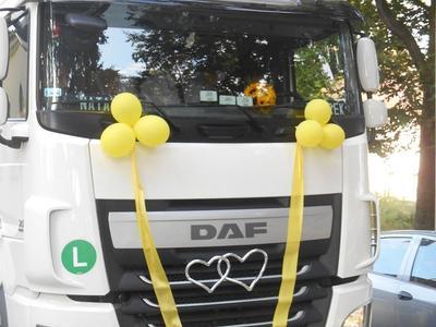 Śluby młodych polskich kierowców ciężarówek – piękne historie