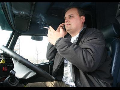 В Румынии запрещено курить в кабинах грузовых автомобилей