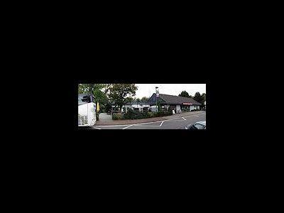 Autohöfe und Raststätten ins Navi laden