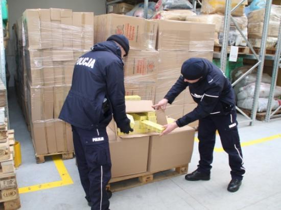 TIR z kontrabandą w rękach CBŚ i Izby Celnej