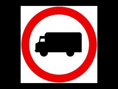 Zakaz dla tirów w Kampinosie