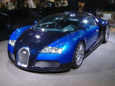 Bugatti Veyron w zestawie z ciężarówką (wideo)