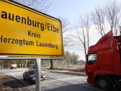 Bundesstraße 5 bei Lauenbug für LKW gesperrt