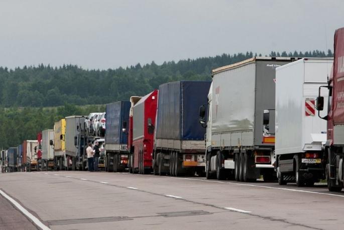 Внесен в Госдуму законопроект об изменениях налогообложения для владельцев 12-тонников