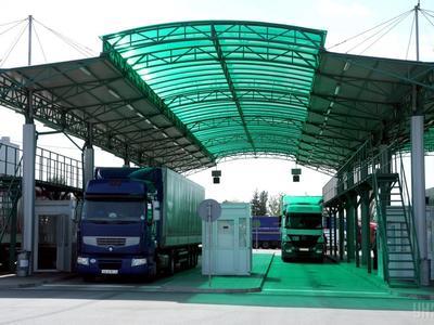 Таможенников обяжут совершать фото- и видеофиксацию проверяемых товаров и транспорта