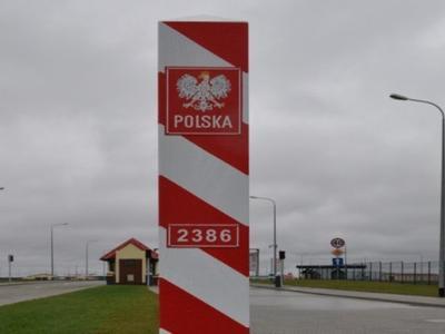 Lenkija laikinai sustiprins sienų kontrolę