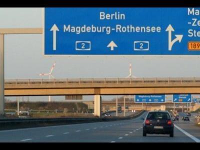 Vokietija. Vilkikams už važiavimą visais šalies valstybinės reikšmės keliais reikės sumokėti.