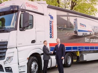 """""""Girtekos"""" užsakymas """"Schmitz Cargobull"""" – 540 puspriekabių"""