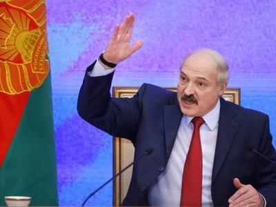 A.Lukašenka žada nusukioti galvas tiems, kas bandys kelti kainas