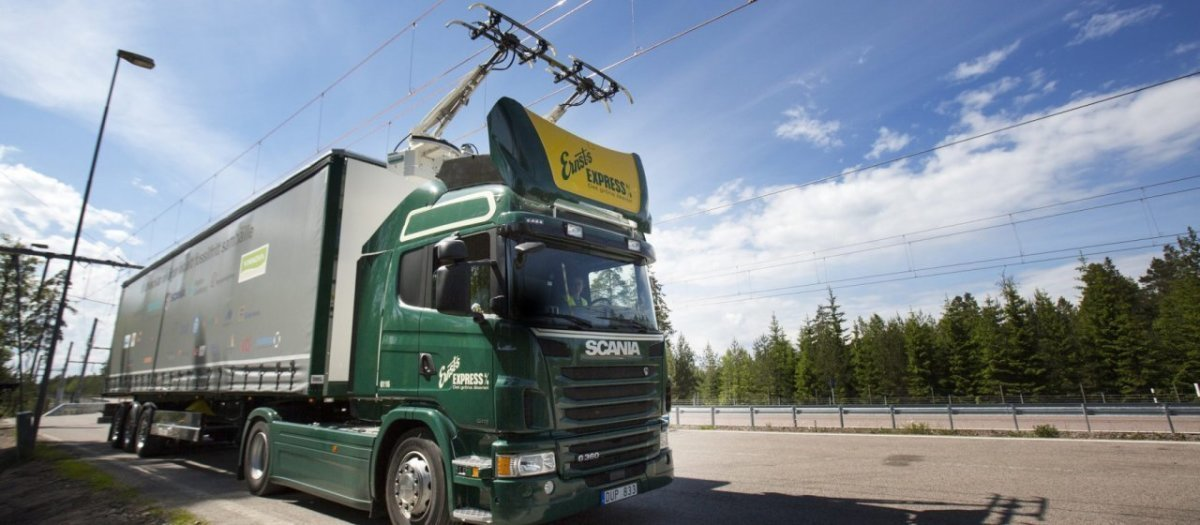 Шведы начали испытания первого электрического грузового автомобиля! Таким ли будет будущее транспорта?