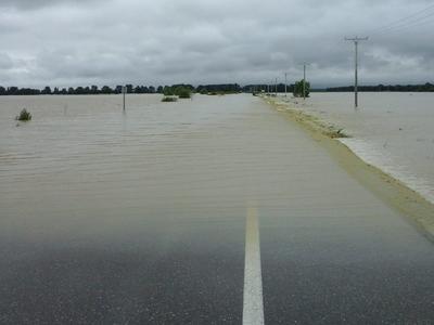 Atenție la zonele afectate de inundații