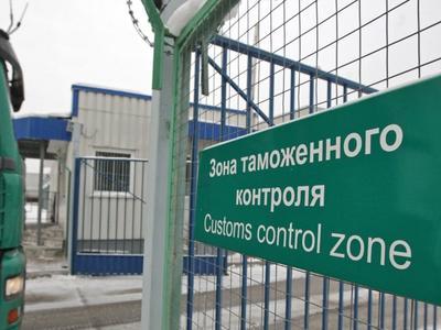 Ukrainos muitinės pareigūnams bus suteikta teisė fotografuoti ir filmuoti tikrinamas transporto priemones