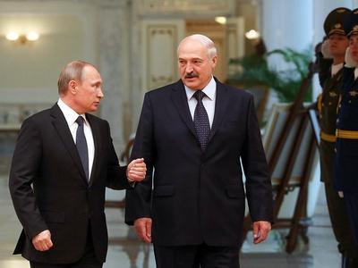 Путин призвал Белоруссию не пропускать санкционные товары в Россию