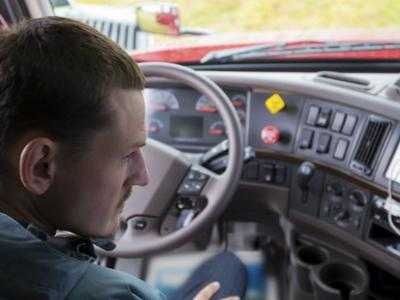 Rytų šalių vairuotojai keičia Lietuvos transporto įmonių veidą