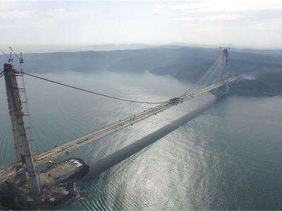 Președintele Turciei a inaugurat un pod uriaș peste golful Izmir