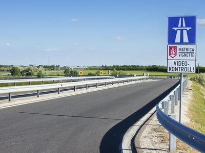 Vengrija: Keičiasi užsienyje registruotiems vilkikams taikomų mokesčių mokėjimo taisyklės