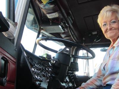 Șoferița în vârstă de 71 de ani, 34 de ani de experientă