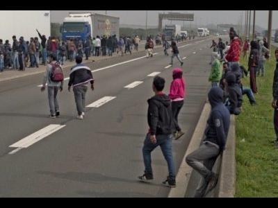 Британский политик предостерегает о волне убийств в Кале, если не изменить подход властей к беженцам