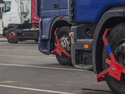 Румынский водитель сам сумел снять блокировку с колеса грузовика и вероятно сбежал из Норвегии