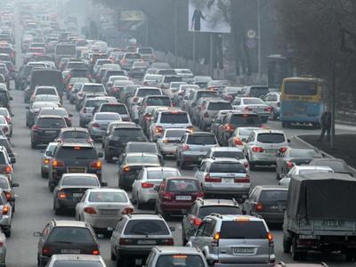Простое объяснение, как появляются пробки на дорогах (видео)