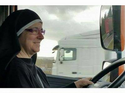 Ein portugiesisches Transportunternehmen beschäftigt Nonnen als Fernfahrer