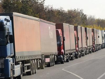Украина закупит около 80 весовых комплексов для проверки грузовиков – премьер