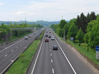 Zwei Rastplätze der Mühlkreisautobahn in Österreich werden gesperrt. Der Grund dafür ist überraschend…