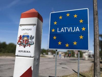 Дальнобойщиков хотят заставить декларировать объем топлива в баке на въезде в Латвию