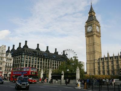 В центр Лондона бесплатно пустят лишь экологически чистый транспорт