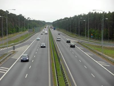 Komisja Europejska skarży Polskę do Trybunału Sprawiedliwości za zbyt małą liczbę dróg o dopuszczalnym nacisku na oś 11,5 t