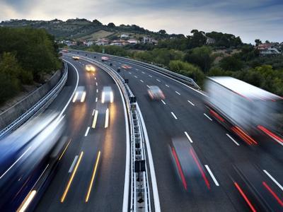 ЕС хочет ликвидировать максимальное число операций в каботажных перевозках и сократить максимальную продолжительность каботажа!
