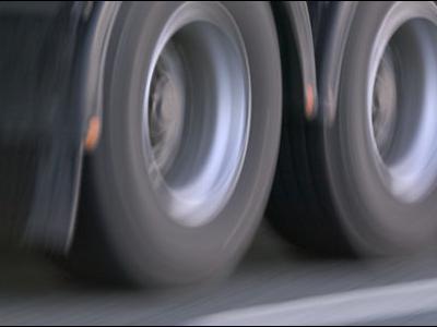 Эстония. Министерство планирует ввести для грузовиков плату за проезд по дорогам