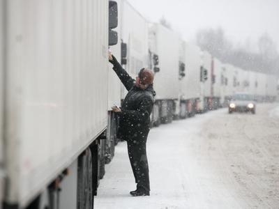 Сегодня грузовикам закроют въезд в Киев
