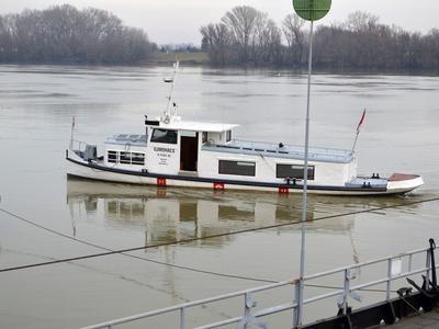 Hajózási tilalom van a Dunán, szívhatják a fogukat a hajós cégek