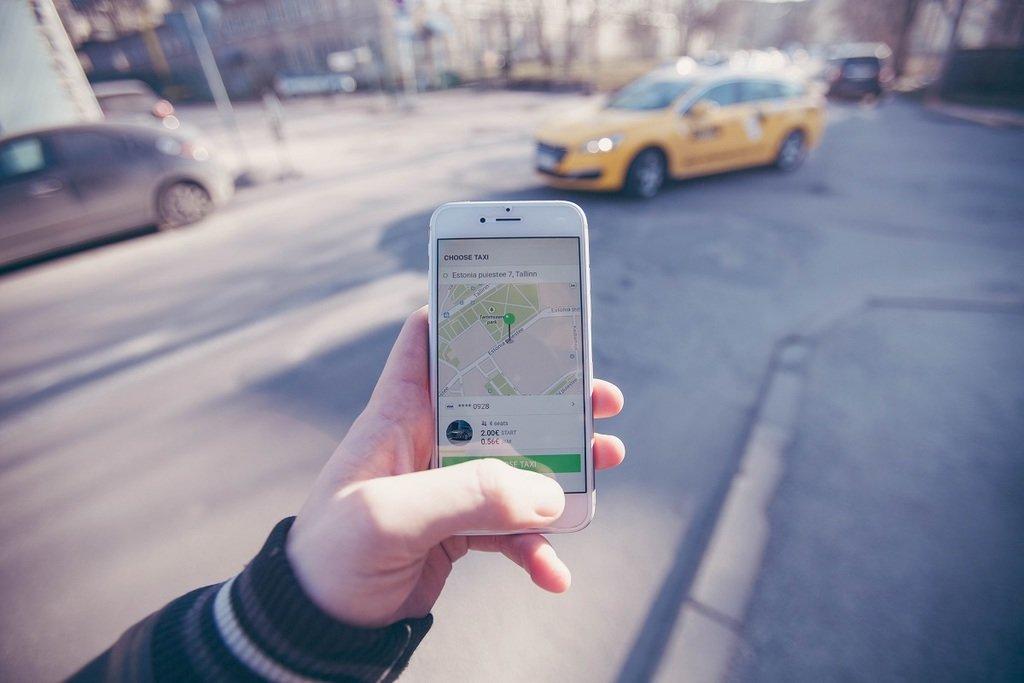 Nemzetközi taxisvállalat áll az Uber helyére Budapesten