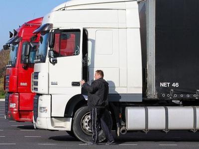 Литовские перевозчики обеспокоены восстановлением погранконтроля между РФ и Белоруссией