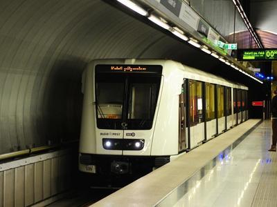 Elcsalták a 4-es metróra szánt pénz harmadát – Itt a jelentés
