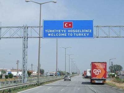Turcia – Transportatorii străini care nu achită amenzile sau taxele de drum sunt blocați la vamă