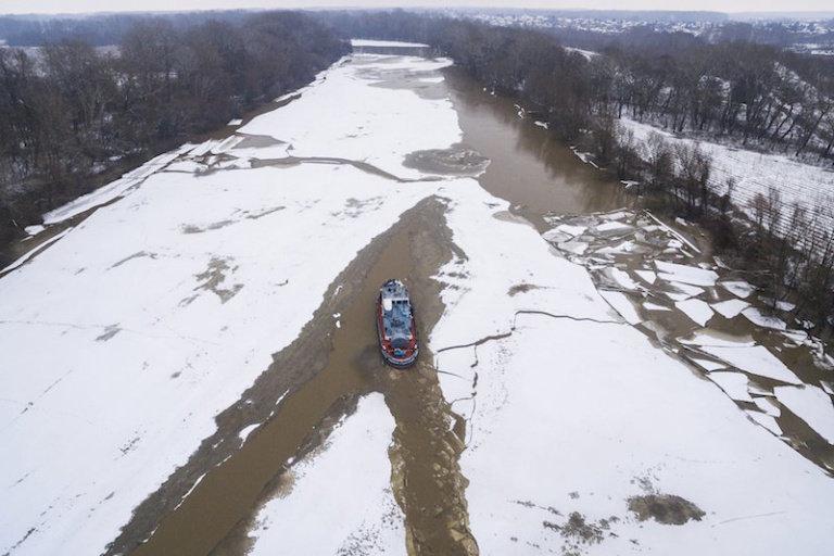 Helikopterről kell felmérni a tiszai jégtorlaszokat