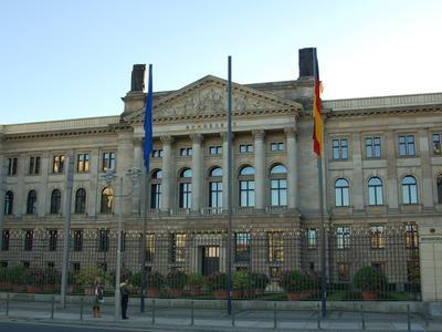Bundesrat przyjął ustawę o rozszerzeniu myta dla ciężarówek na wszystkie drogi federalne