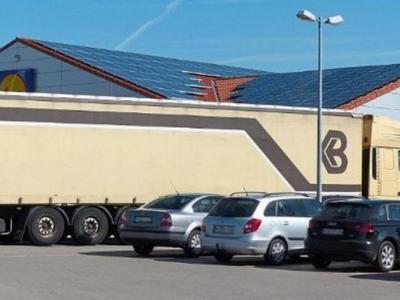 Niemcy: z braku miejsc kierowcy parkują byle gdzie. Sypią się mandaty