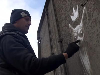 Painted on… dirt? Wonderful drawings on trucks