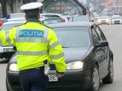 Peste 1.300 de permise auto au fost reținute în weekendul de Florii