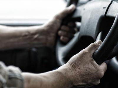 """O żonach kierowców: """"Jeśli Twój mąż jest kierowcą ciężarówki, wszystkiego dobrego. Jeśli jesteś kierowcą ciężarówki, doceń swoją żonę."""""""