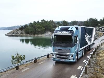 Hiszpania: W kwietniu o 2000 firm transportowych mniej niż rok wcześniej. Winni zagraniczni przewoźnicy