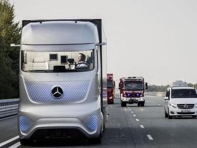 Автономные грузовики: неужели водители исчезнут с рынка?