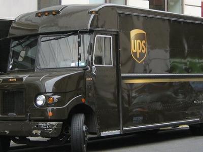 UPS testuje system, który ma zapobiegać błędom przy wysyłce paczek