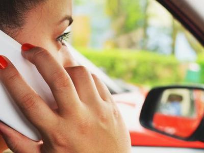 Koniec drożyzny w roamingu. Sprawdź, jak możesz zaoszczędzić